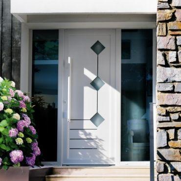 Porte d'entrée PVC avec vitrage ELVA Menuiseries - EPMR