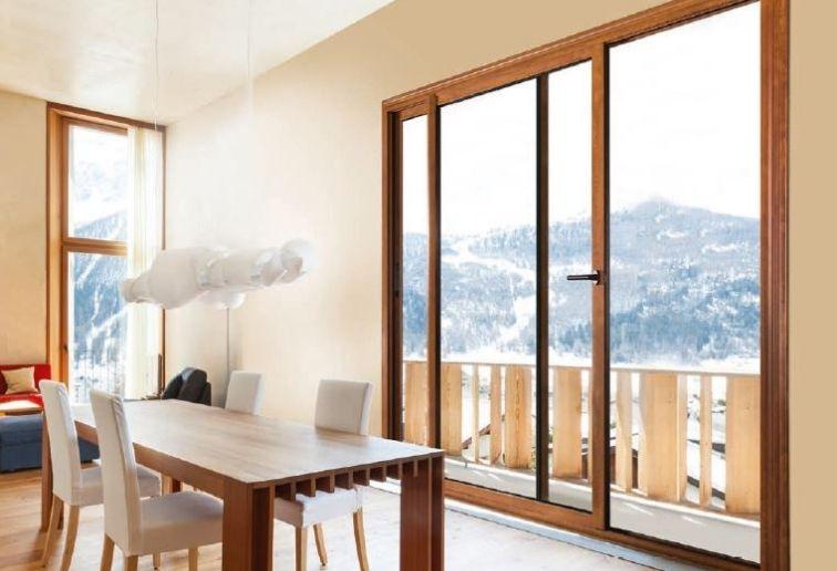Fenêtre baie vitrée coulissante alu effet bois chêne - EPMR Menuiserie (13) ©F.P.E.E