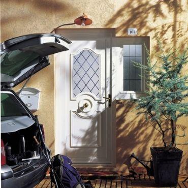 Porte PVC entrée écrins Elva - EPMR Pennes-Mirabeau 13