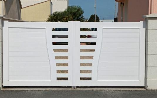 Portail PVC EPMR vente et installation PACA